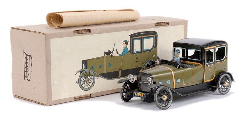 Vintage Reissue Tin Windup PAYA Spain I-972 Green LIMOUSINE w/ Chauffeur Driver - Continental Hobby House