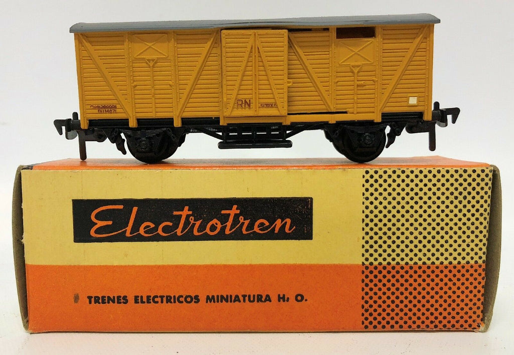 ELECTROTREN train #1005/2 Covered Goods Van Wagon train car in box. HO MOB - Continental Hobby House