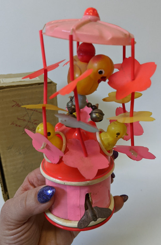 Vintage 1940's (Japan) Celluloid Wind-up Mechanical SPINNING CHICKS Toy, in Box