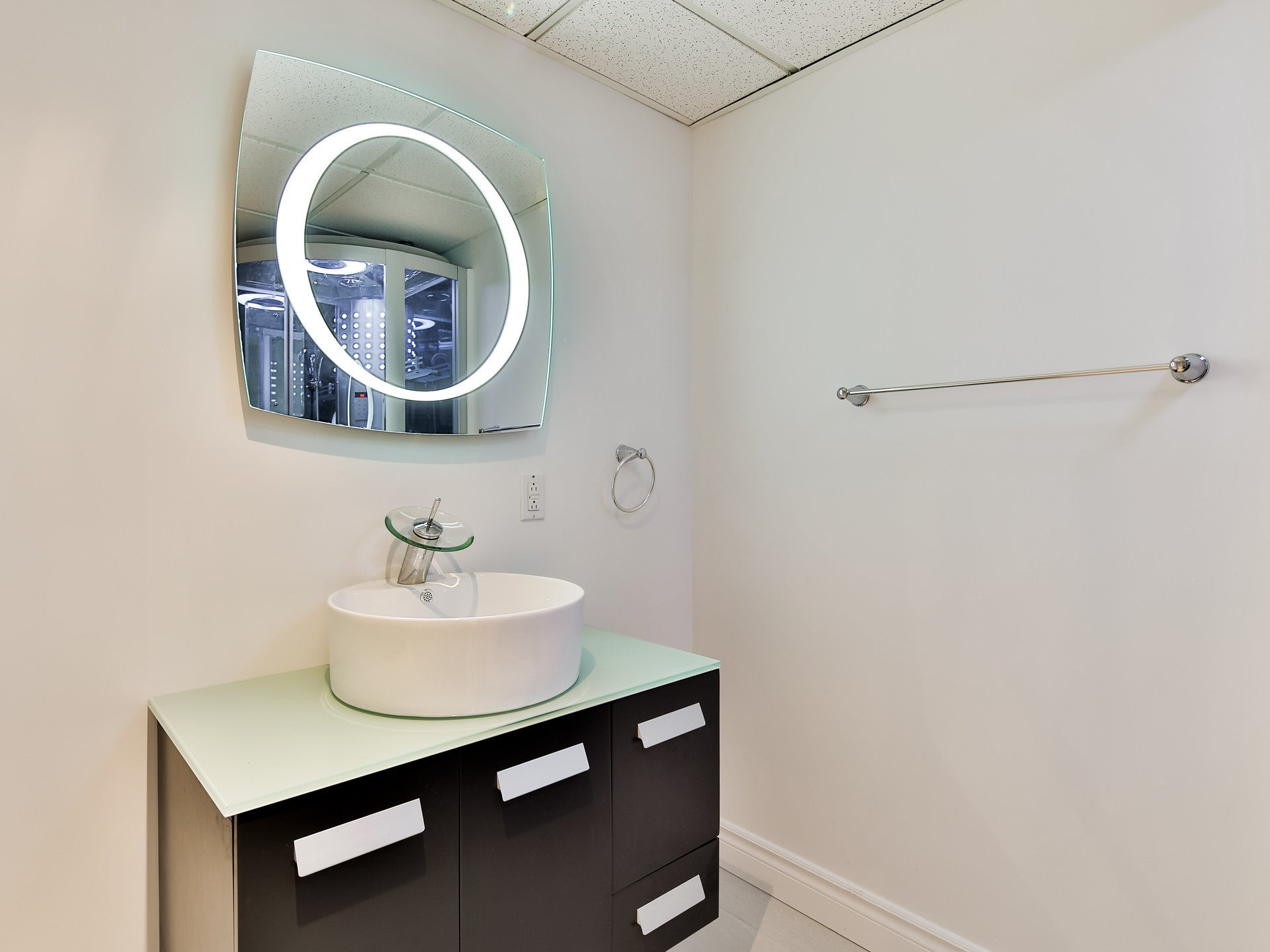 Lighted mirror Halo 28 X 28