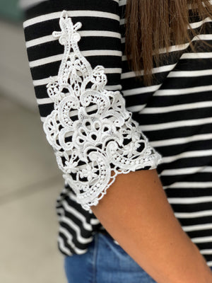 Black & White Striped Crochet 3/4 Sleeve Top (SM-3X)