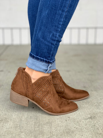 Weekend Chestnut Cutout Booties
