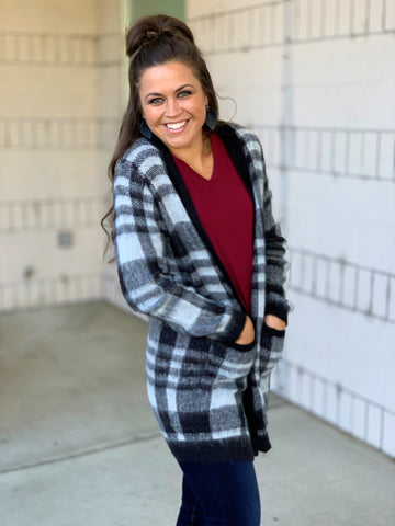 Black & White Cozy Plaid Pocket Cardigan (SM-XL)