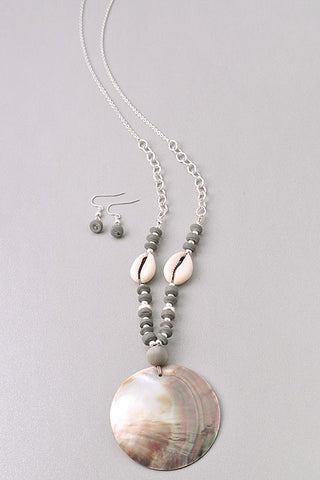 Gray Bead Shell Pendant Necklace