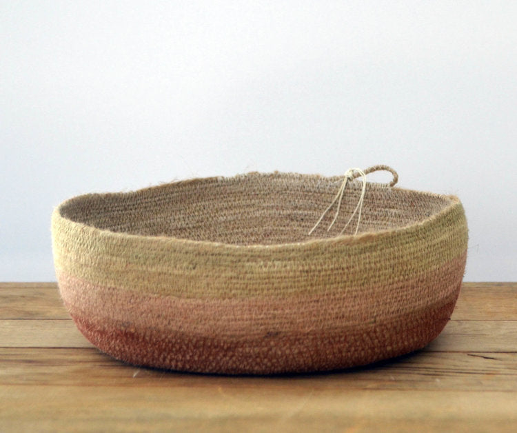 MEDIUM JUTE TRAY - DESERT ROSE