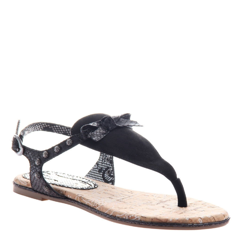 78634f05612f Sizzling Climate in Black Flat Sandals
