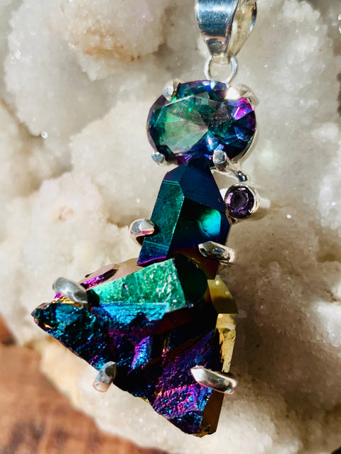 The Seer's Eye Rainbow Aura & Mystic Topaz Pendant - Floating Lotus