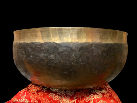 Large Antique Root Chakra Tibetan Singing Bowl