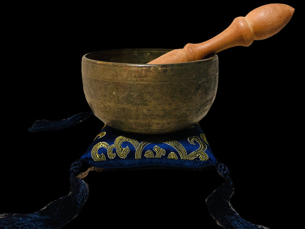Vintage Throat Chakra Singing Bowl