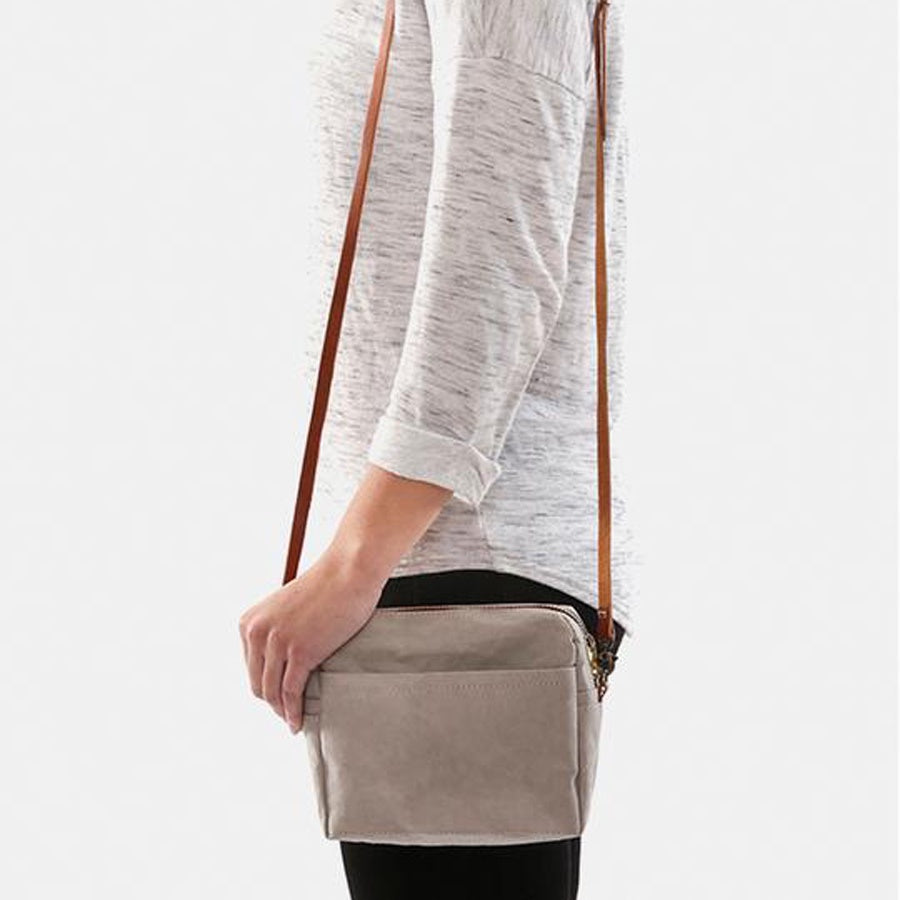 Uashmama Shoulder Pochette Grey