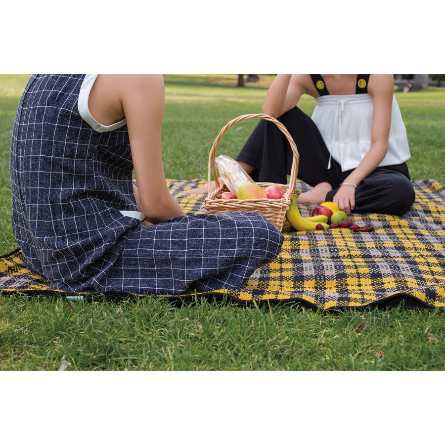 Otto & Spike Picnic Rug Yellow