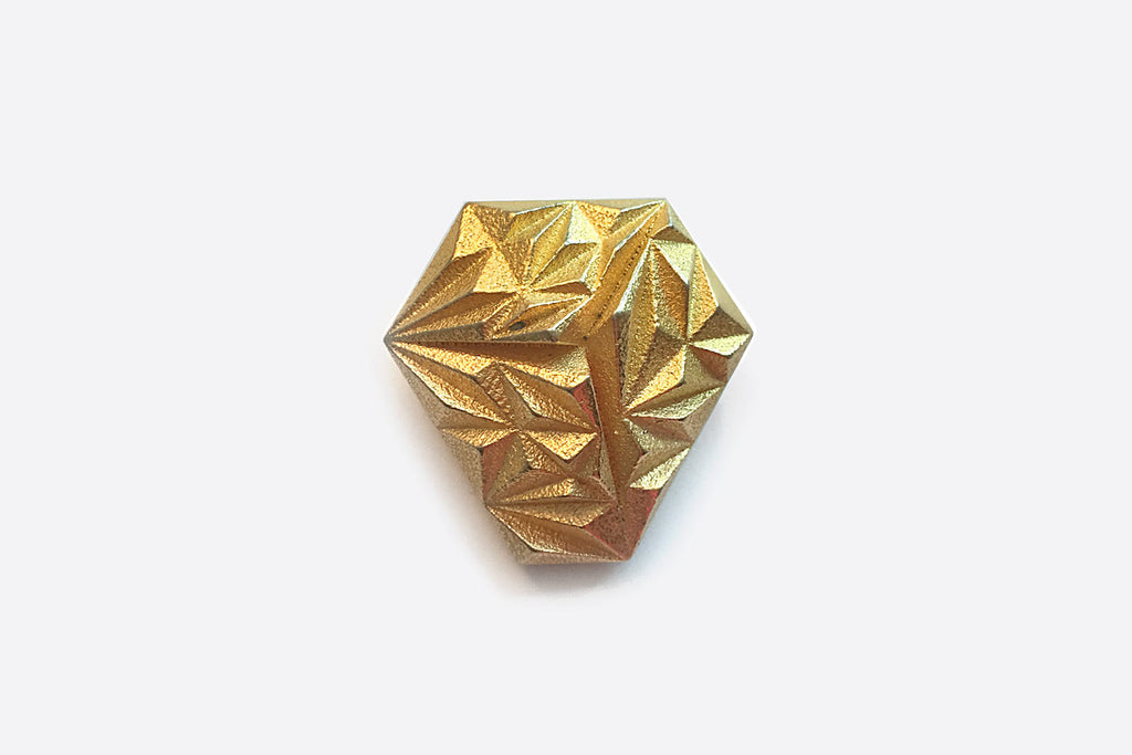 KNOT Button Clip Gold