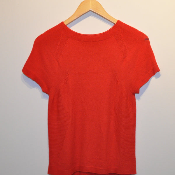 ALESSANDRO DE BENEDETTI RED SHORT SLEEVE DIVAS SHIRT - LNF Shop -  Alessandro de Benedetti, Shirt, Montreal, Mile End