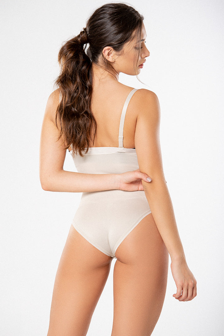 Thong Cincher Body Made Of Nylon (2366)