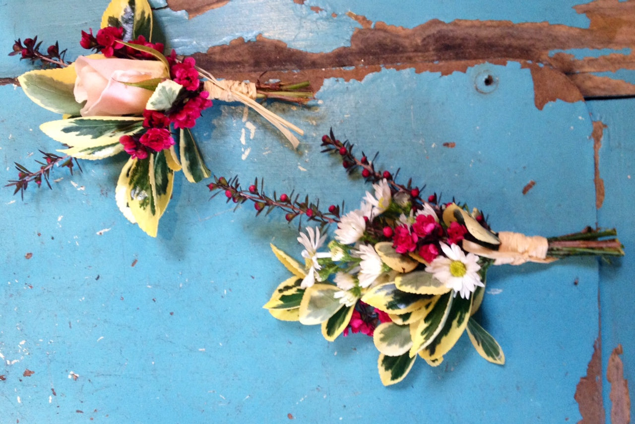 Simple boutonnieres with a french garden feel by Gorgeous and Green