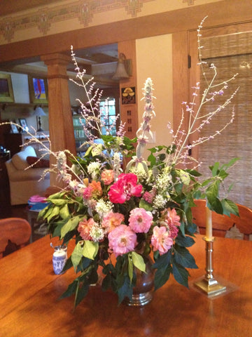 arrangement of local grown Boise Idaho flowers and foraged foliage by Gorgeous and Green