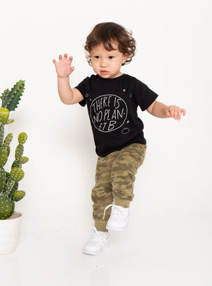 baebeeboo, sustainable, straw suck, black, tee, kids wear, kidswear, children, t-shirt, tees, give back, sustainability, the sustainability project, social conscious, kids, kids fashion, cotton, there's no plan-et b, boo-tee-ful