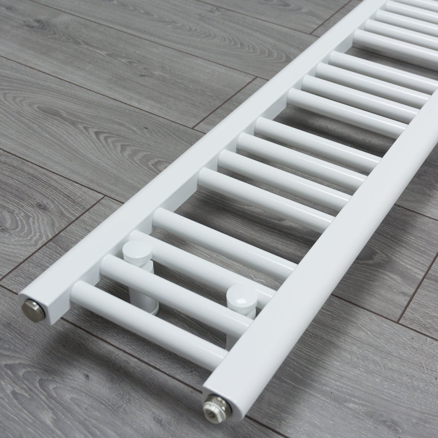 200mm x 1400mm White Heated Towel Rail Radiator Close Up Image