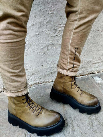 Lofina Barbados Boots in Military Green