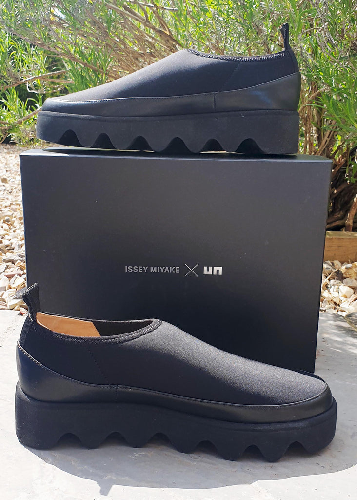 ISSEY MIYAKE/ARCHE BOUNCE SNEAKER
