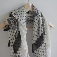 Bohemian Square Lace Scarf with Tassels - Bulan Design  - 2