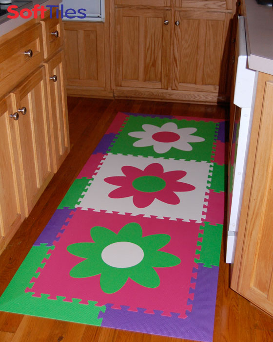 SoftTiles Interlocking Flower Foam Mats with border