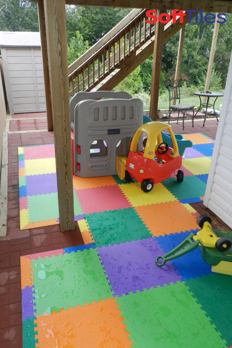 outdoor patio cushioned children 39 s play mat using softtiles foam mats. Black Bedroom Furniture Sets. Home Design Ideas