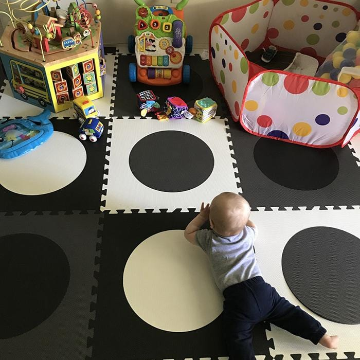 Stylish Circles Foam Play Mat in Black, Gray, White
