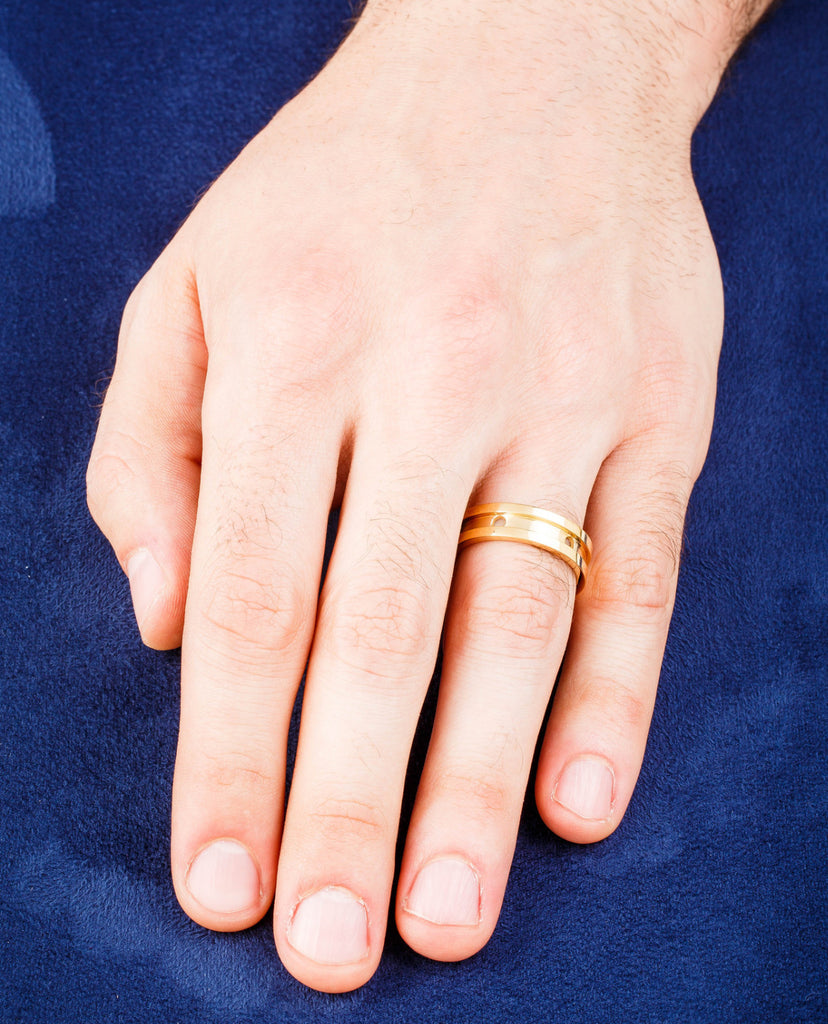 Dafina Circle Wedding Band for Men (Yellow Gold Grooved)