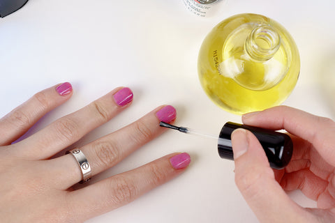 how to apply gel nail polish final step
