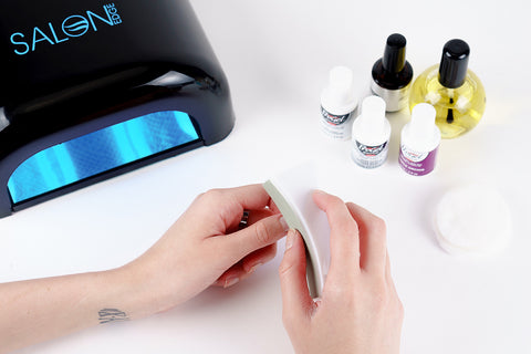 how to apply gel nail polish step 4