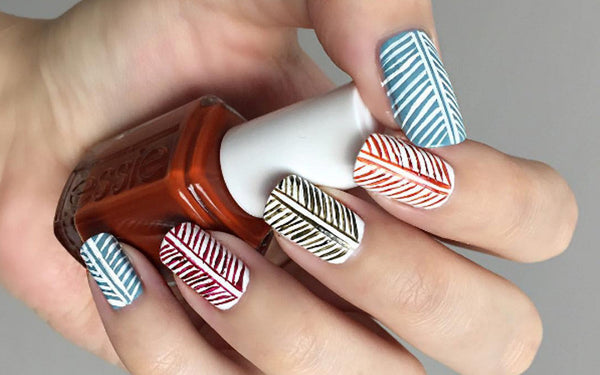leaf design manicure
