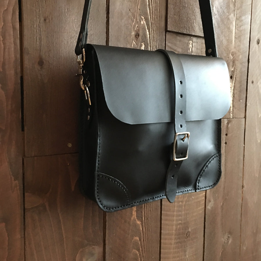 Howl and Hide Rowan Mailbag in Matte Black