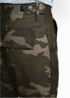 Rogue Territory Weekender Pants in Dark Camo