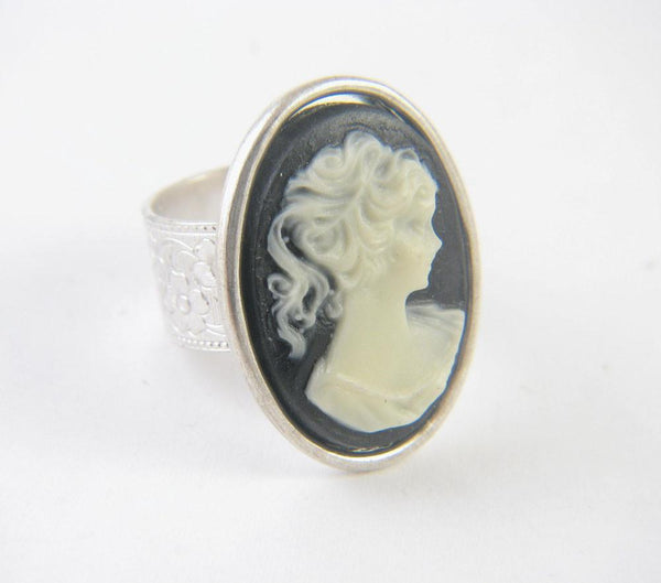 Silver Black Vintage Cameo Ring - Jewelrylized