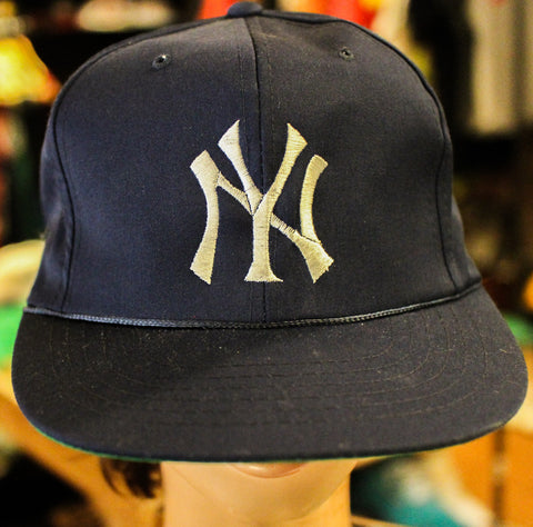 Vintage NY Yankees Snap Back Hat (Navy w/Green Under Bill)