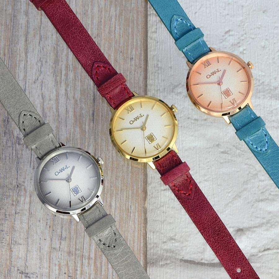 BATH SILVER AND GREY LEATHER STRAP WATCH