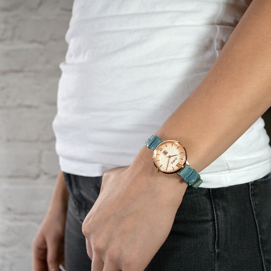Mid size vintage inspired rose gold ladies leather watch