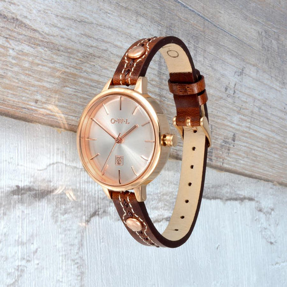 Beautiful leather strap watch made from vintage style oily leather