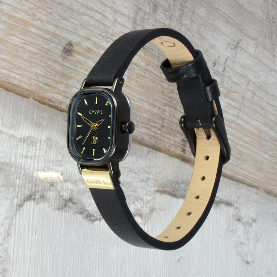 STRATFORD BLACK AND GOLD LEATHER STRAP WATCH