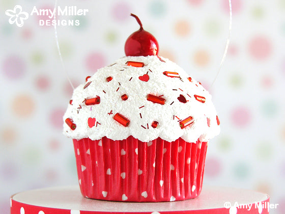 Valentines_Day_Fake_Cupcake_Red_Hearts
