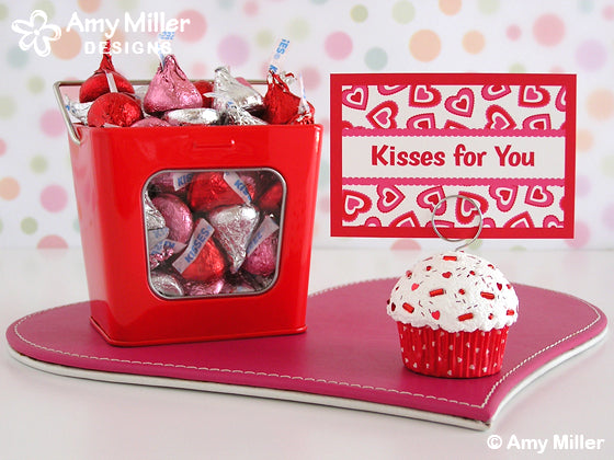 Valentines_Day_Fake_Cupcake_Red_Hearts_Photo_Holder