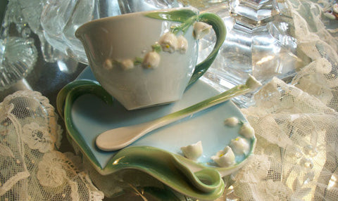 Two's Company Garden Party Porcelain Tea Set Lily of the Valley