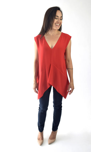 V-neck draped hem top