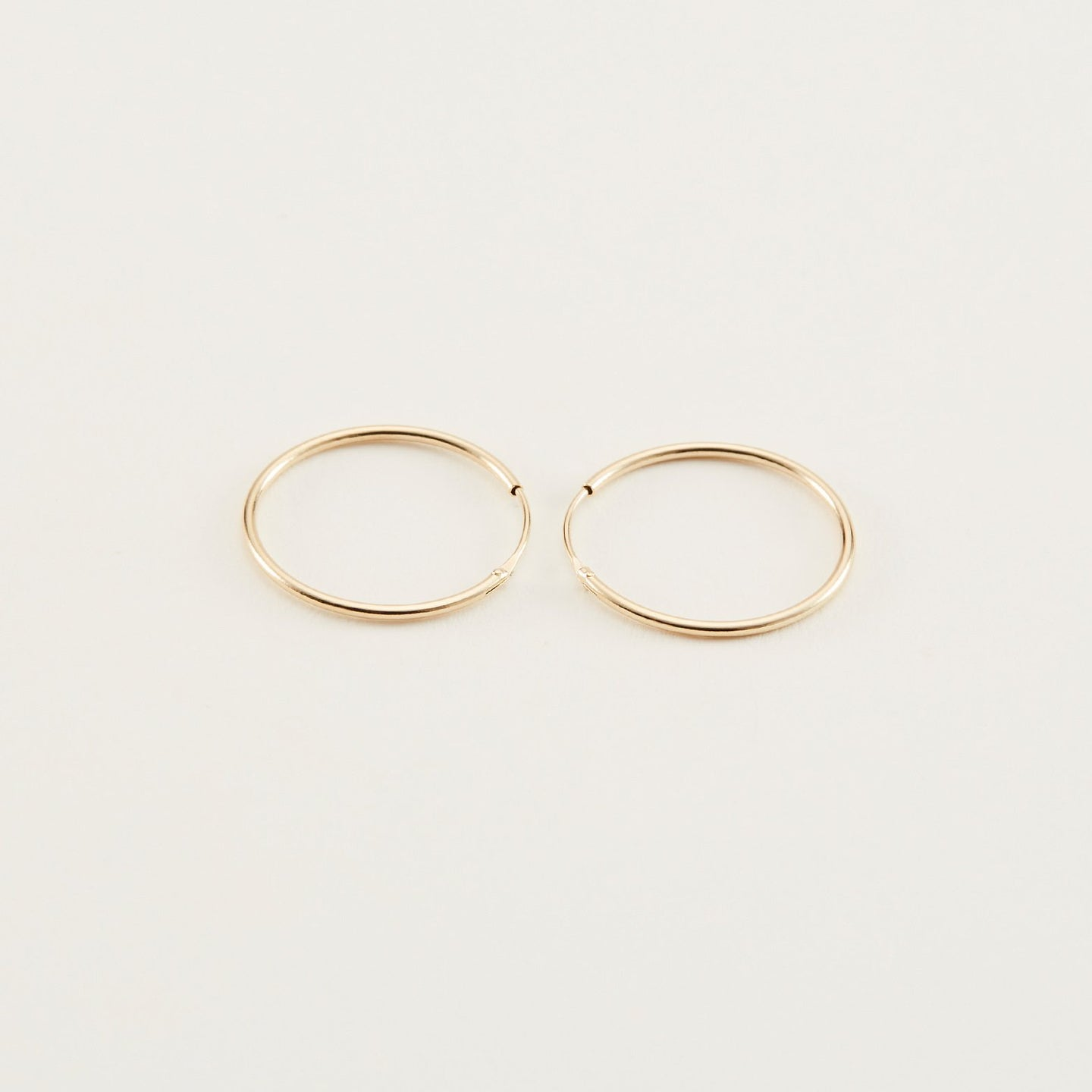 14k Solid Gold, 18mm