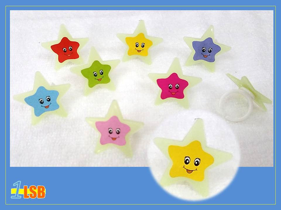RG01 Happy Star Glow-in-the-Dark Rings set of 2