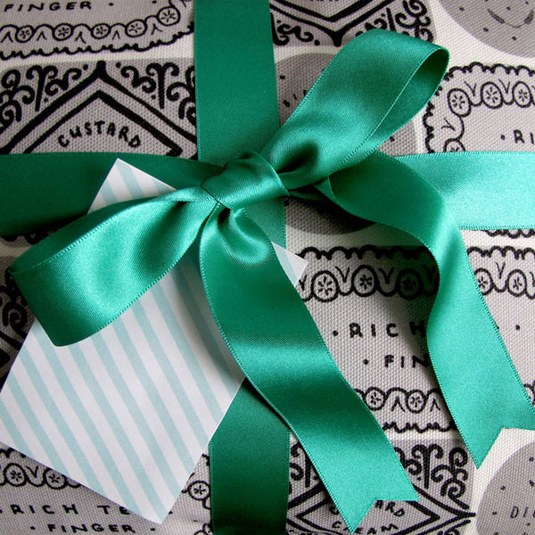Satin Ribbon & Litho Tag Gift Wrapping