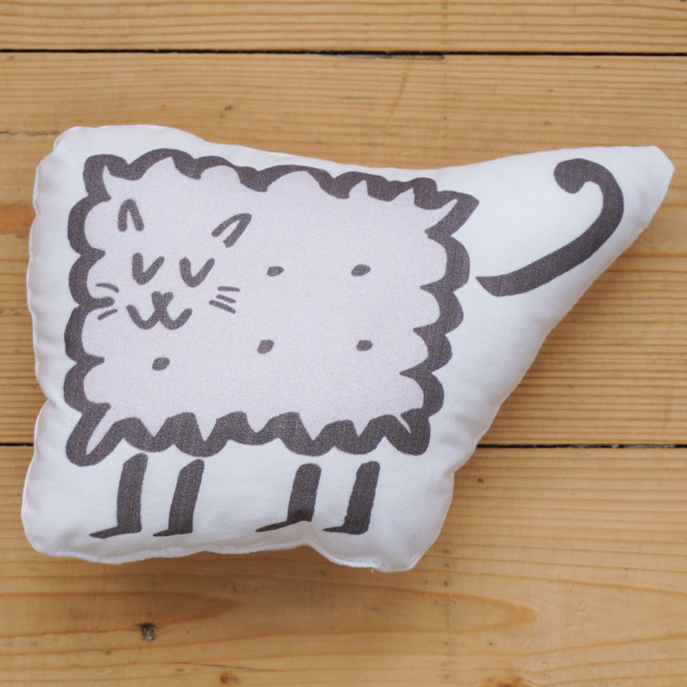 Plush Biscuit Kitty - Malty in Monochrome