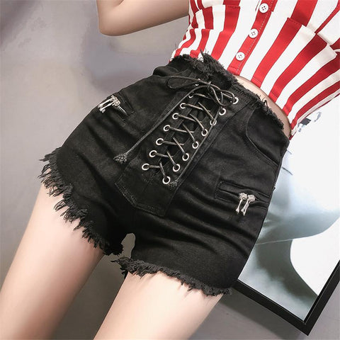 String Me Up Shorts SD00016