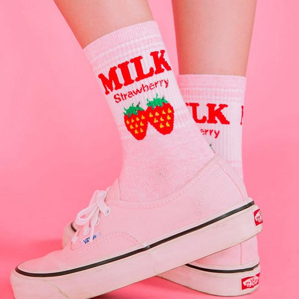 Milk Strawberry Socks SD01086